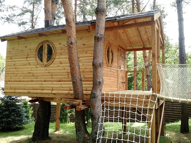 Круглі дерев'яні вікна