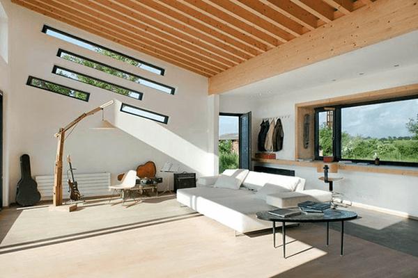 Вузькі дерев'яні вікна