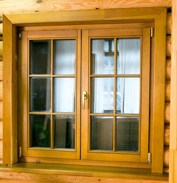 Розпашні вікна з дерева