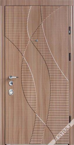 Вхідні двері, квартирні, Straj Hola в Україні
